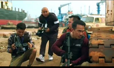 Tertawa Lepas di Tengah Ketegangan dalam Film Hit & Run