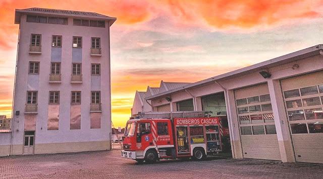 COVID19. Bombeiros de Cascais voltam a estar operacionais este sábado e transferem equipas de socorro a doentes suspeitos para as piscinas