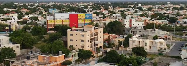 Video: Policia de Bani Ataca a Macanazos a un Joven