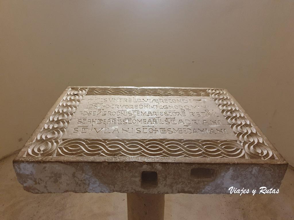 Altar de San Miguel de Escalada