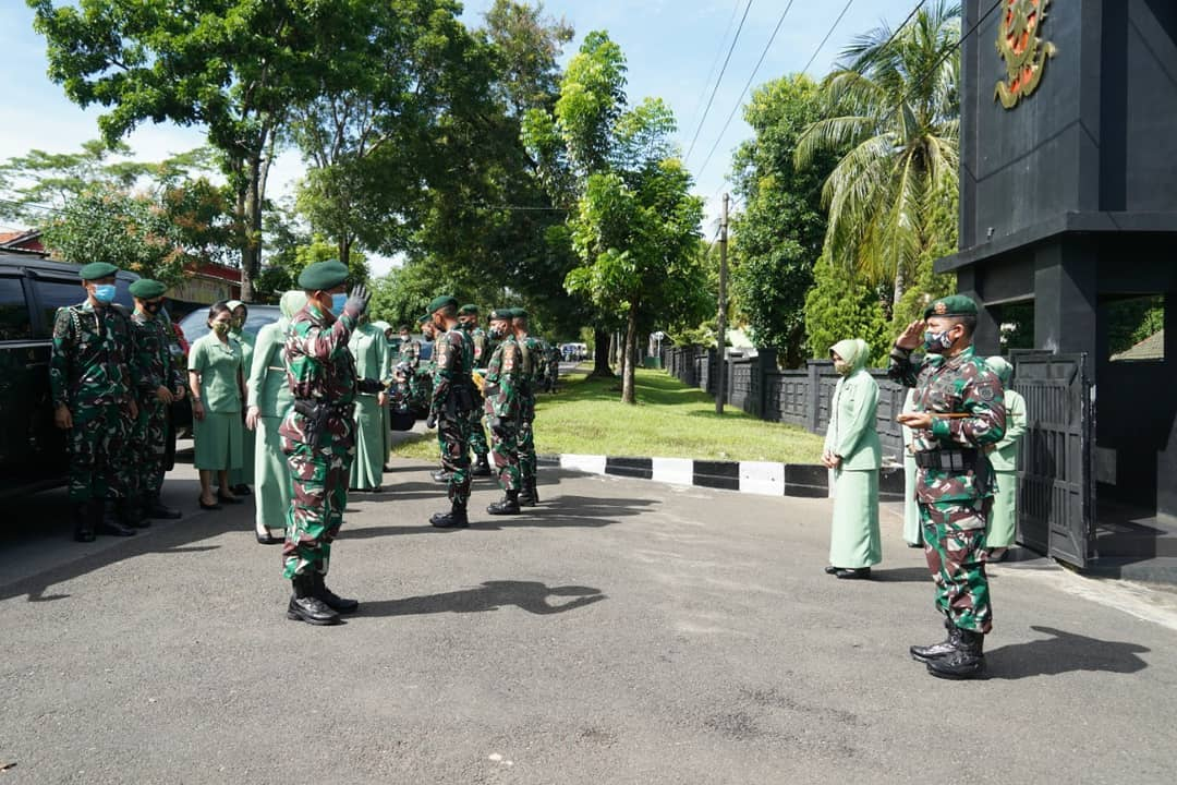 Pangdivif 1 Kostrad Laksanakan Kunker ke Yonif Raider 321 Kostrad di Majalengka