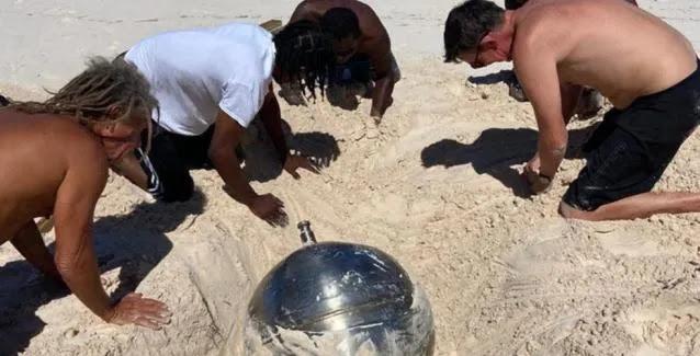 Mπάλα τιτανίου από το Διάστημα βρέθηκε σε παραλία στις Μπαχάμες
