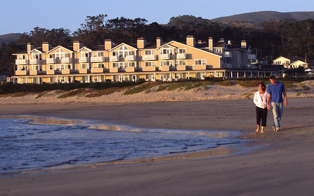 Just 25 miles south of San Francisco, Beach House Half Moon Bay Hotel features luxury suites providing the perfect romantic getaway or retreat for the entire family.