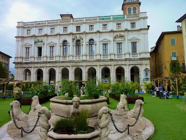 Palazzo Nuovo en la Piazza Vecchia de Bergamo