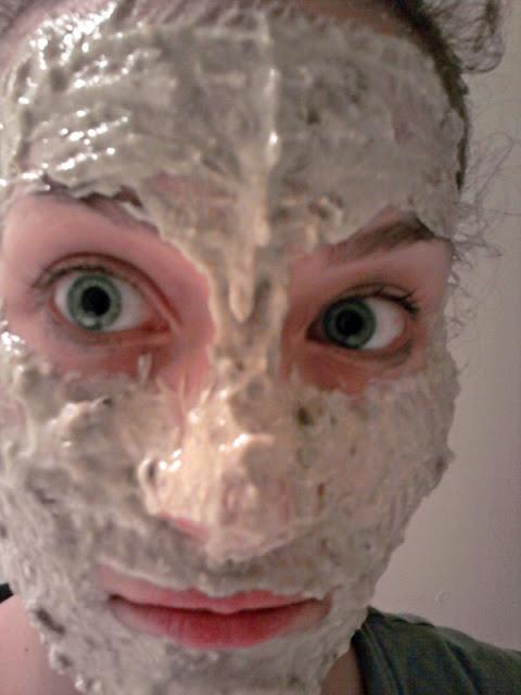 7 Kreasi Masker Rumahan Ini Terbukti Berkhasiat dan Lebih Aman