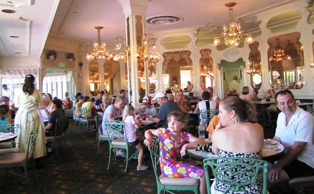 Restaurante The Plaza no Magic Kingdom