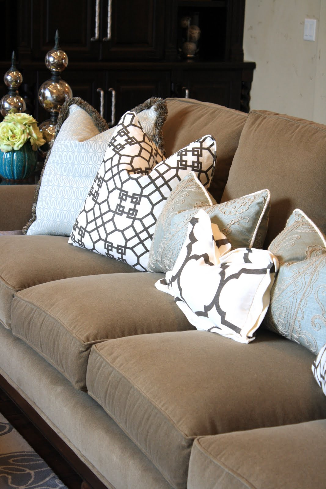 brown accent pillows sofa alstons zurich 3 seater bed utah county parade of homes house jade interiors blog