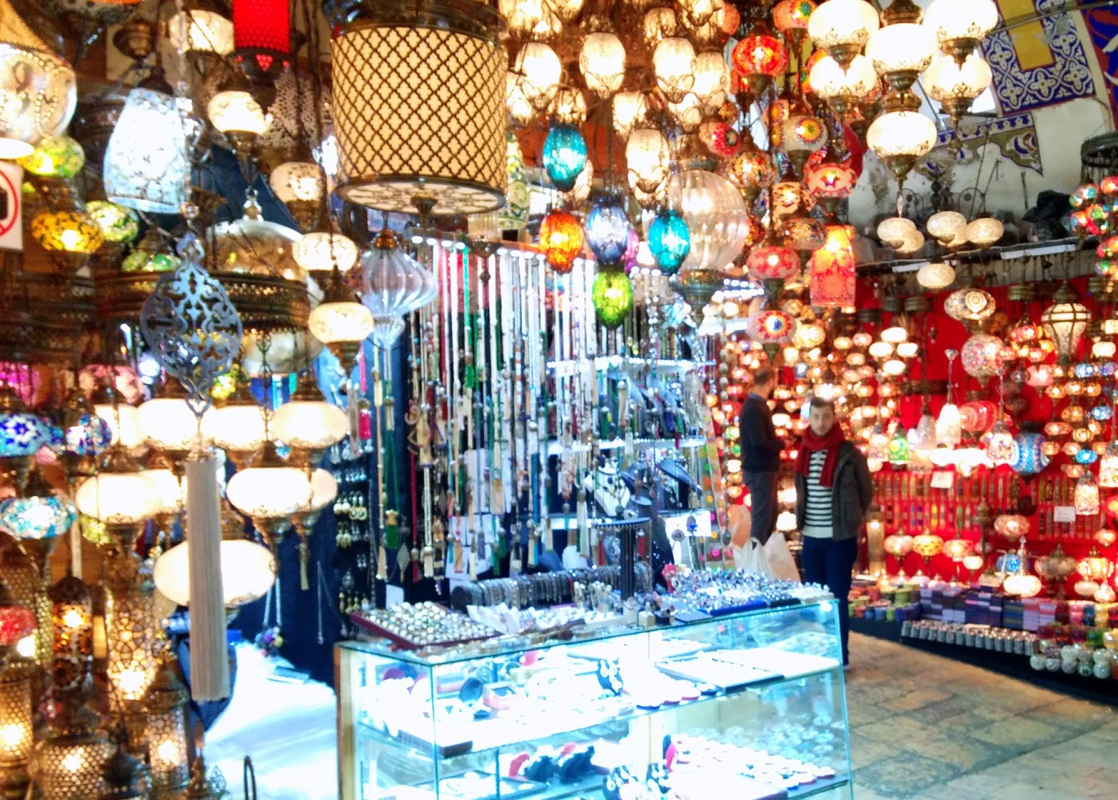 Visiting Istanbul for the first time, Grand Bazaar lamps lanterns  |  Postcard from Istanbul on afeathery*nest  | http://afeatherynest.com