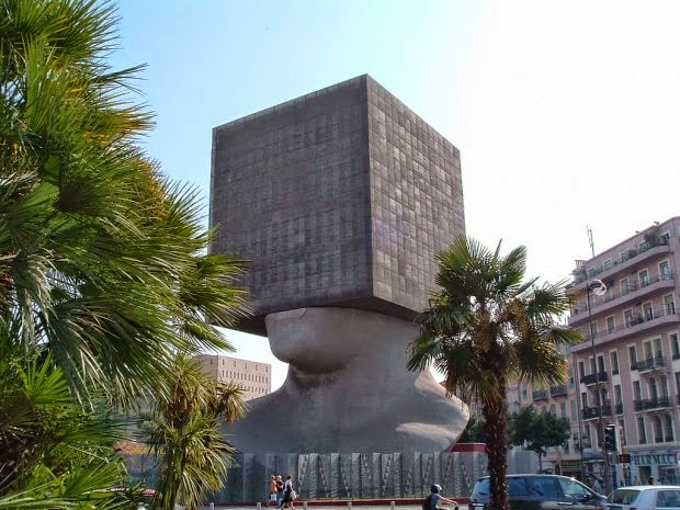 Top 10 Strangest Buildings