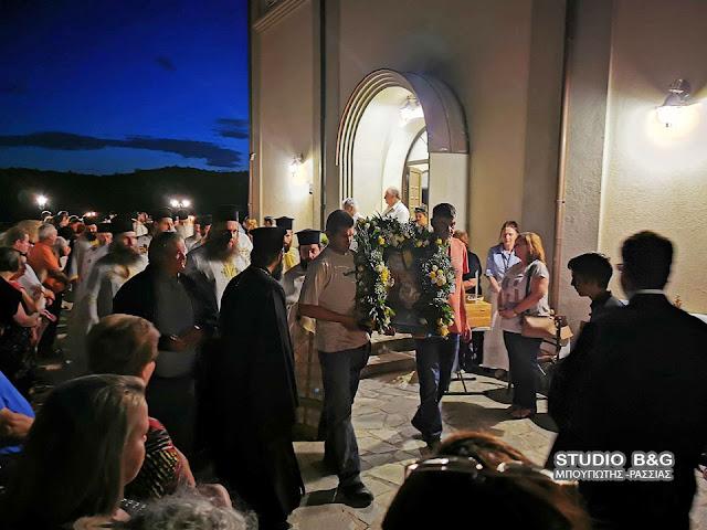 Αρχιερατικός εσπερινός για τον Άγιο Λουκά στα Λευκάκια Ναυπλίου (βίντεο)