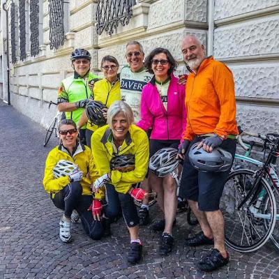 carbon road bike rental in milan