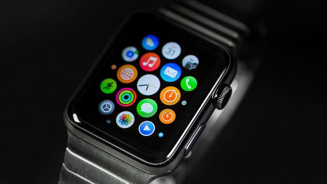 قياس نبضات القلب والسكر في الدم  ساعة ابل الجيل السادس Apple Watch 6