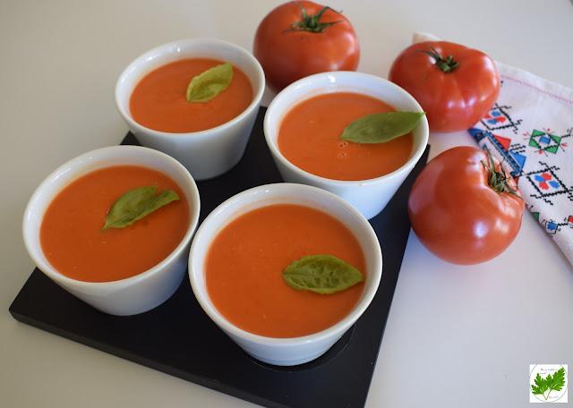 Gazpacho De Tomates Con Albahaca