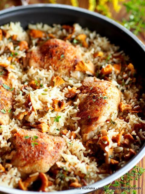 kurczak duszony, ryz, kurki, grzyby, mieso, drob, udziki, obiad z patelni, danie jednogarnkowe
