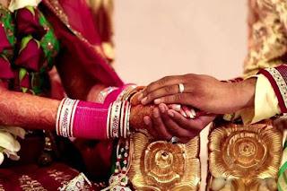 दाम्पत्य सुख-शांति के लिए 55 उपाय | 55 Totke For Happy Married Life In Hindi