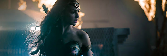 http://www.reviewsfromabed.com/2016/11/new-trailer-for-wonder-woman-starring.html