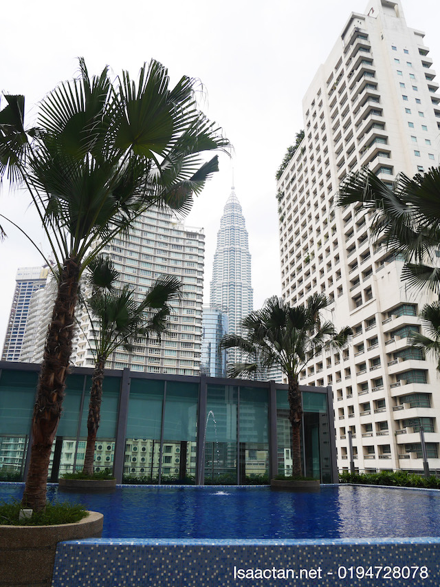 KLCC is viewable from the swimming pool of VORTEX KLCC