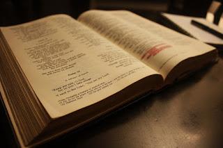 Aprenda a evangelizar com Apóstolo Paulo Romanos 1: 1-12