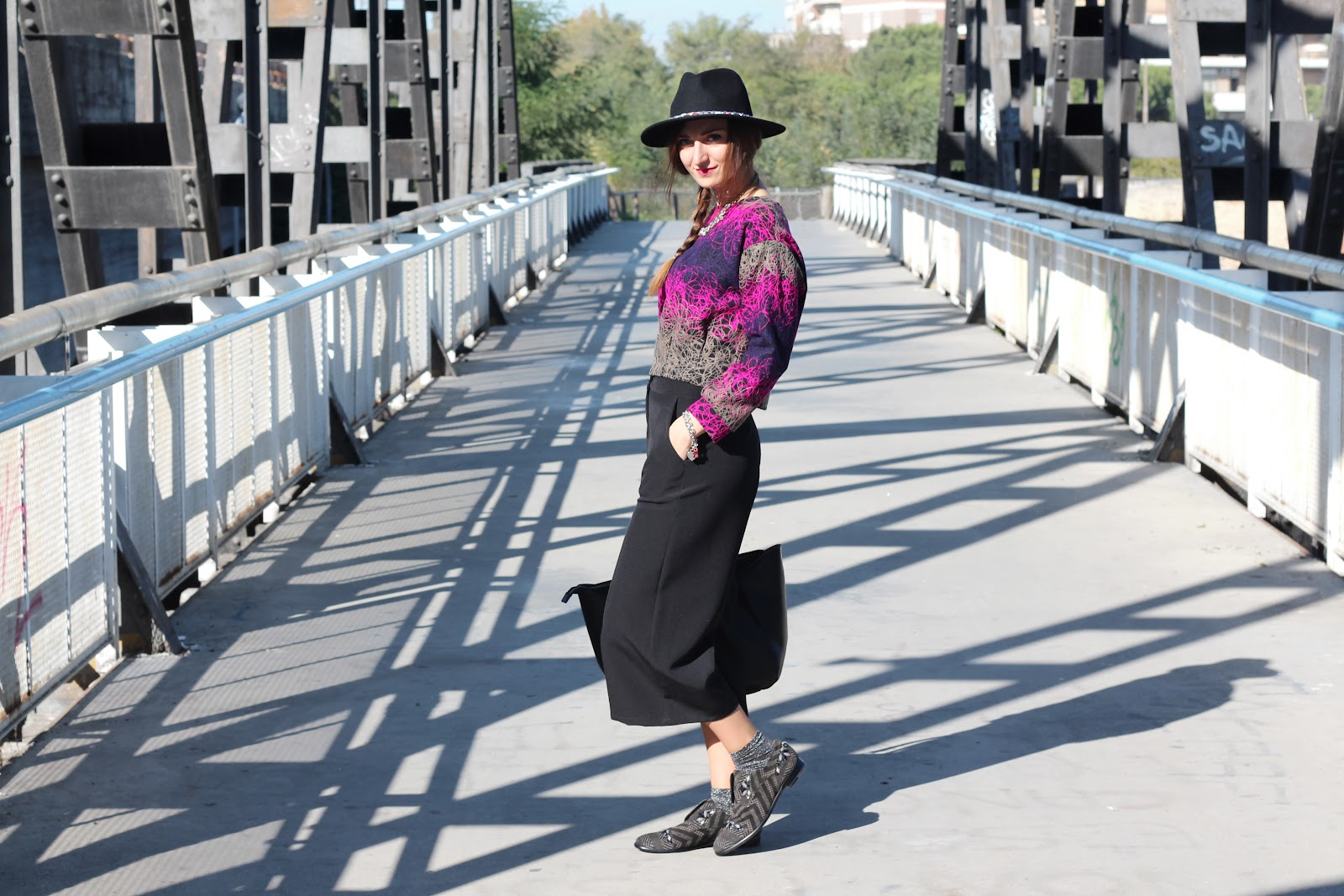 fashion blogger pescara italy italia outfit ootd style vogue fratelli rossetti shoes scarpe derby dandy goa goa happiness boutique zara bag borsa nera black hat