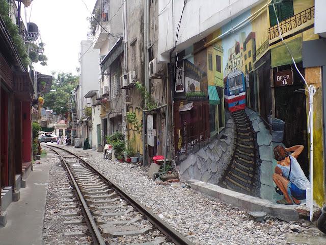 calle del tren hanoi