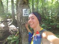 Coureuse, trail, randonnée, Vallée-Bras-du-Nord, affiche de kilométrage
