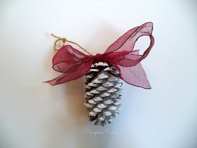 DIY Pinecone Ornament