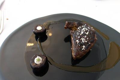 Poitrine de pigeon, cerises, restaurant Kei Paris 01, blog Délices à Paris.