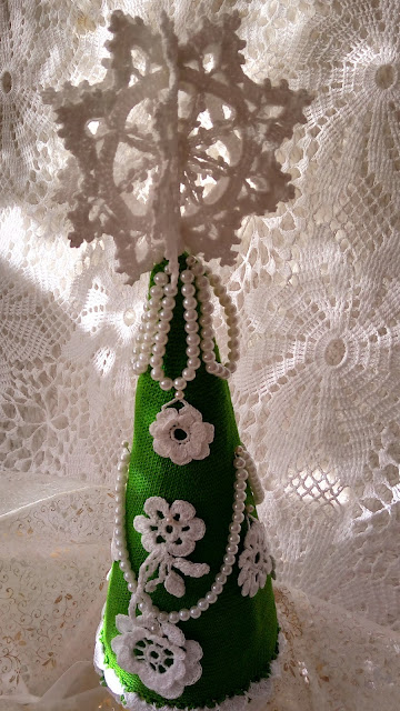 Świąteczne   ozdoby   wykonane   szydełkiem