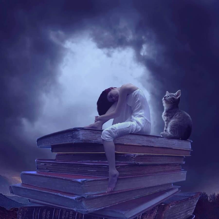 05-Books-and-waking-dreams-psdiplavai-www-designstack-co