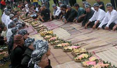 Tradisi unik upacara seren taun dari jawa barat