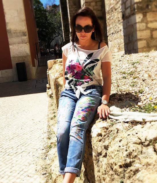 kolorowe jeansy jak zrobić DIY krok po kroku malowanie spodni, moda design, designerskie jeansy