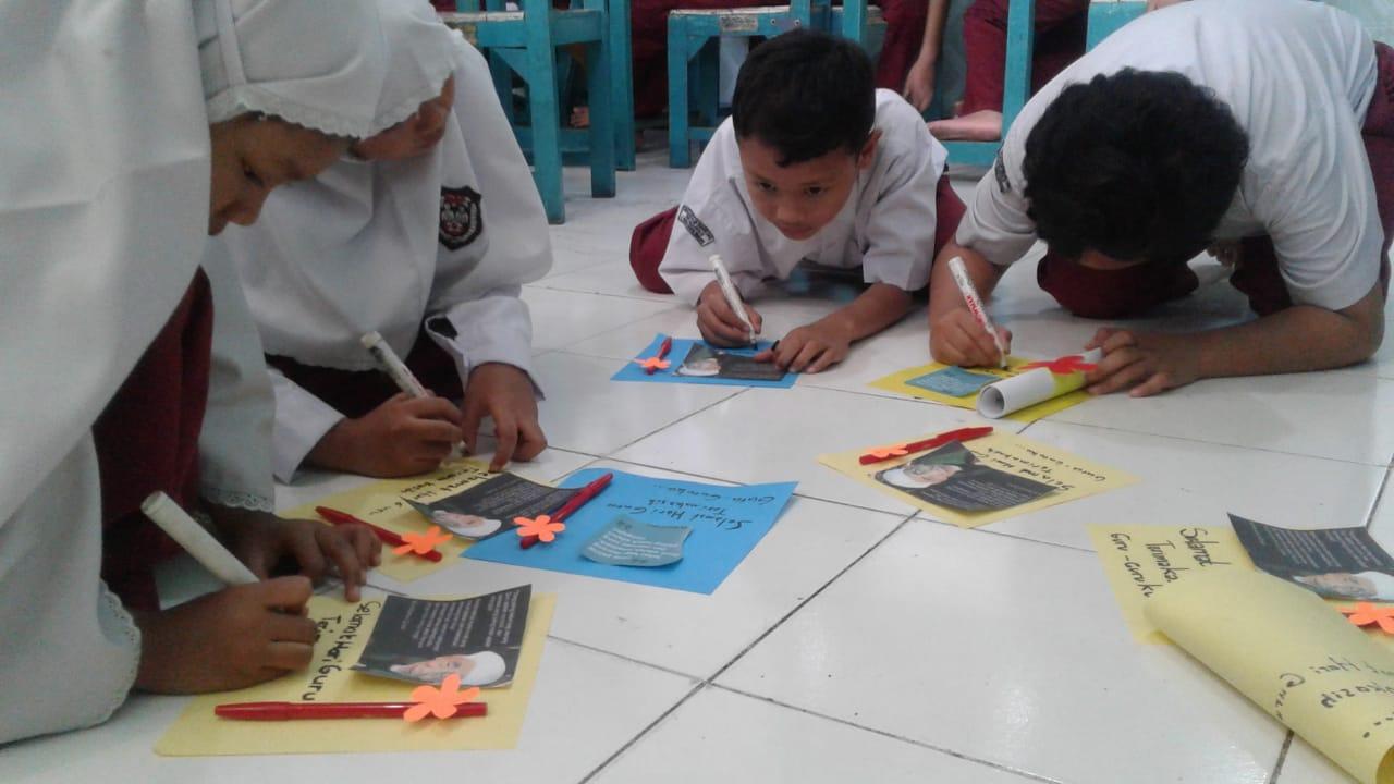 Hadiah Pena Di Hari Guru Nasional