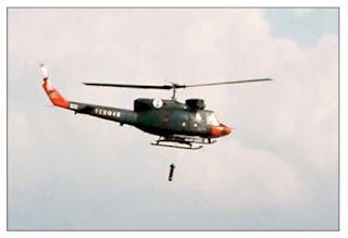 Гидролокатор AQS-18A и вертолет в воздухе