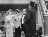 """Кадр из фильма Чарли Чаплина """"Лечение"""" (1917) - 8"""