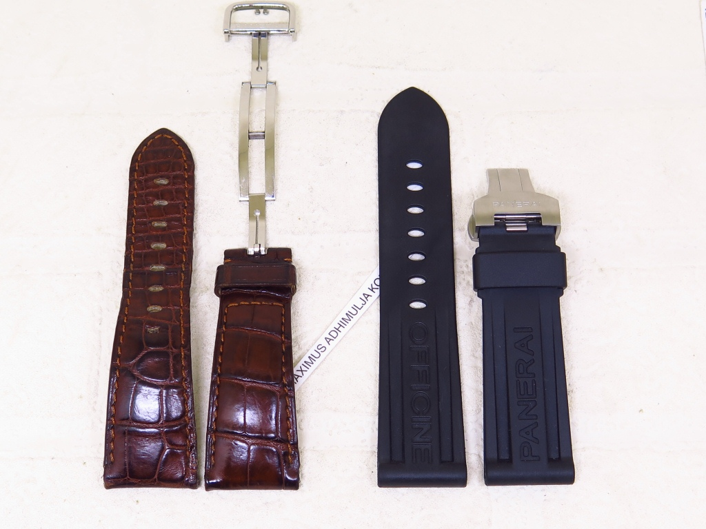 7 - STRAPS GENUINE PANERAI 26mm LEATHER AND 24mm RUBBER - CODE SP1/2 - SP2/2