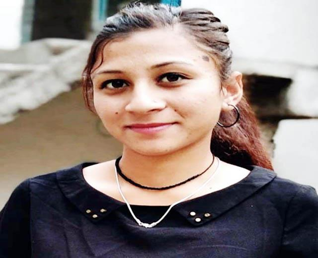 vibha-top-in-b-com-final-year-result