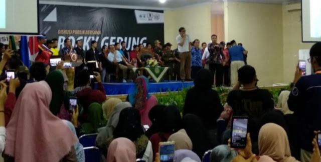 Koplak, Rocky Gerung Disambut Takbir saat Datangi Kampus Muhammadiyah Jember