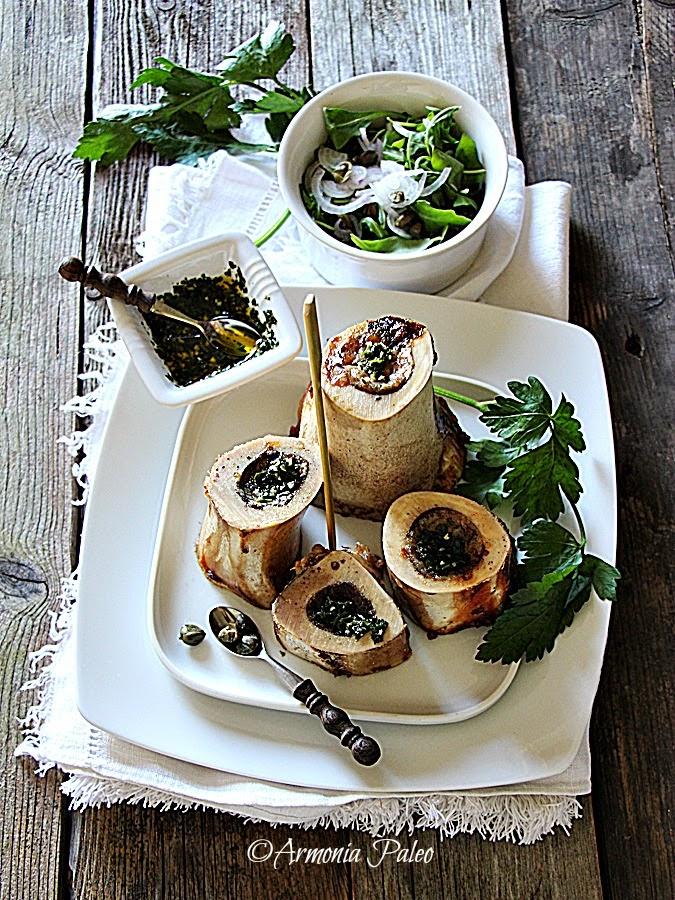 Ossa di Midollo Arrosto con Salsa al Prezzemolo e Insalata di Rucola di Armonia Paleo