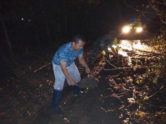 Selorondo Longsor, Jalan Mertokondo-Karangsambung Sempat Terputus