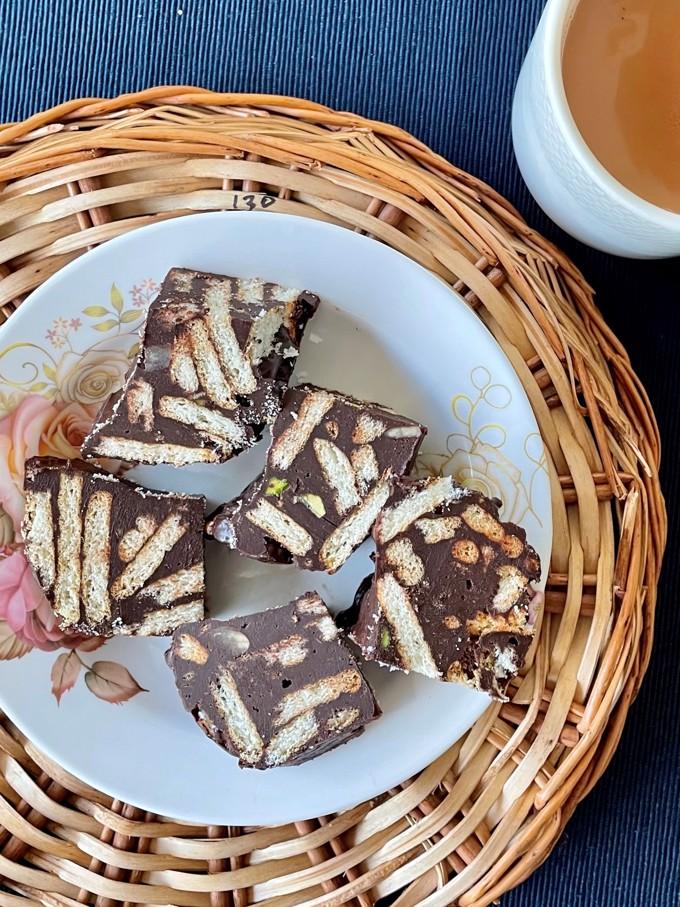 Chocolate Lazy Cake with Tahini and Pistachio