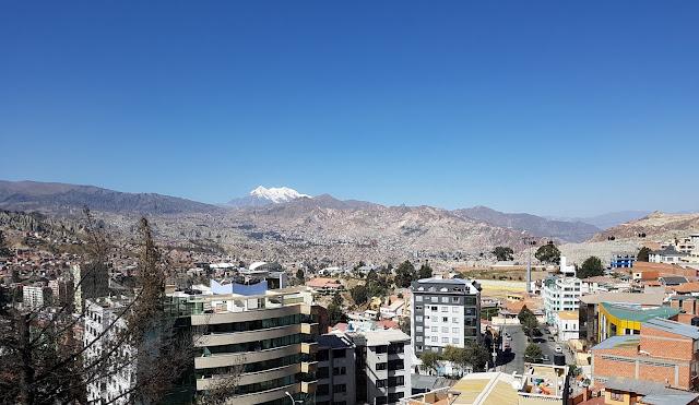 Vista do mirante da Plaza del Montículo, no bairro de Sopocachi - La Paz - Bolívia