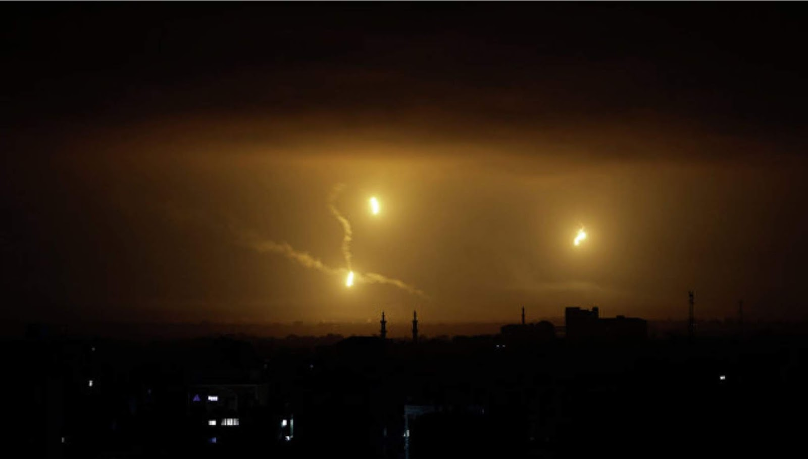 Hamas tembakan 70 roket dari Jalur Gaza