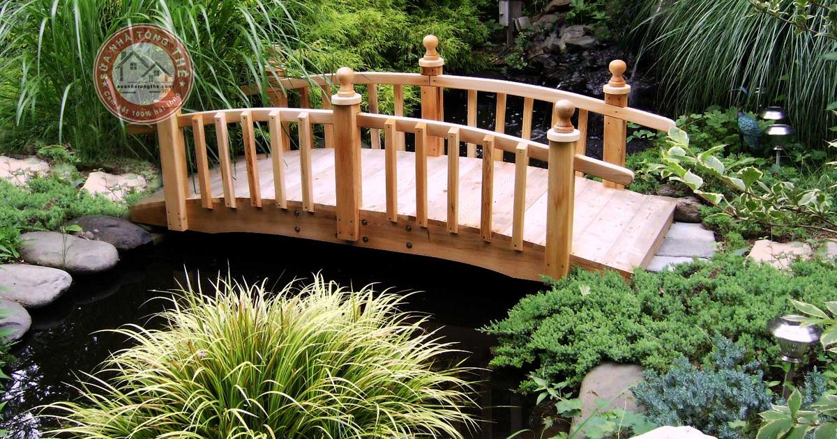 Cách trang trí sân vườn nhỏ đẹp với các cây cầu