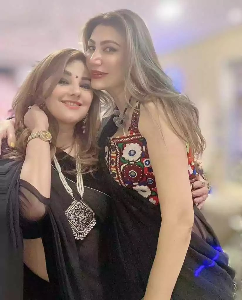 Javeria Saud With Her Adorable Son - Pictures