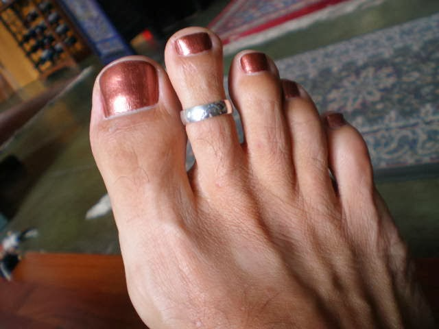 It's Ok For Men to Have Painted Nails in Public: Photo ...