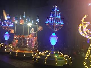 Rapunzel and Lantern Paint the Night Disneyland