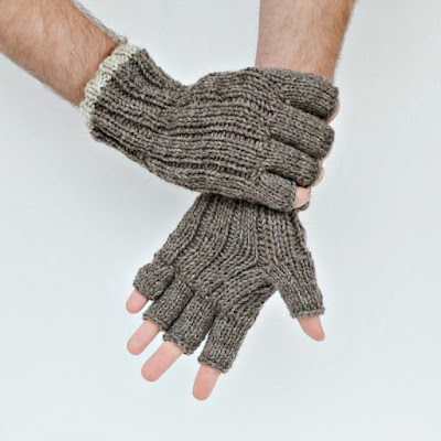 https://www.etsy.com/listing/471987250/mens-fingerless-gloves-natural-colors?ref=shop_home_active_39