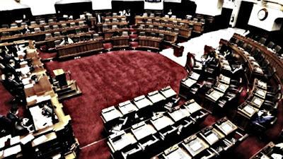 Congreso no alcanzó votos para eliminar inmunidad parlamentaria y se decidirá en referéndum