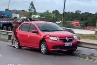 Engavetamento envolvendo três veículos deixa trânsito lento em rodovia da Paraíba