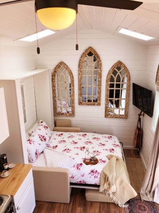 03-Living-Room-Bedroom-Area-Sunshine-Tiny-House-Architecture-and-The-Stumble-Home-www-designstack-co